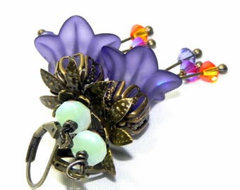 Lucite Trumpet Flower Earrings - Victorian Purple Lily - Brass bead caps and leverback earwires - Swarovski crystals