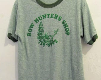 A Vintage 70's,Green Short Sleeve B0W HUNTER'S SH0P Ringer T shirt By Sportswear.M