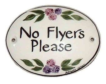 "No Flyers Please Sign - 3.75"" x 2.75"""