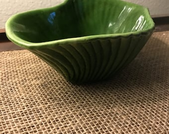 "Vintage pottery ""Calif USA M-1"" bowl"