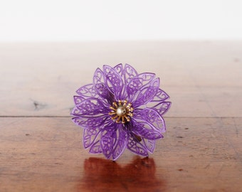 Vintage brooch, purple plastic lace flower, gold atomic starburst and faux pearl center, 1950s 1960s mid century pin back, kitsch jewelry