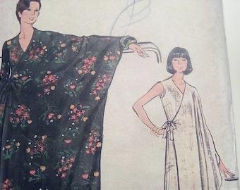 Vintage 1970's Vogue 8735 Dress Sewing Pattern Size 14 Bust 36 FF