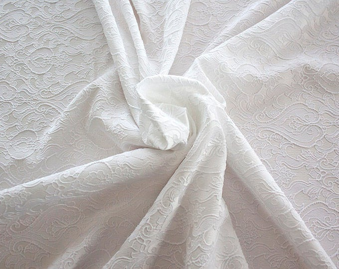 990071-001 Brocade 95% PL, 5% PA, width 130 cm, made in Italy, dry cleaning, weight 205 gr