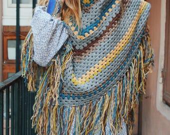 Maxi granny crochet shawl
