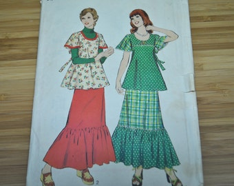 Vintage Top & Skirt Pattern. Peasant, Gypsy, Boho style. 1973.  Style 4481.  Single size Pattern Size 14. Discontinued.