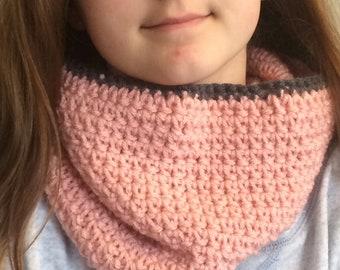 Warm cowl scarf
