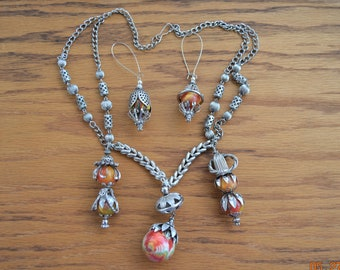Vintage Bounce Balls,Necklace & Earrings,Atomic Space Age VTG Mid Century Flying Saucer UFO Looking ,Bib,Chain Very light weight