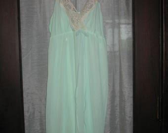 Vintage Waltz Gown/ Lingerie/Nightgown (Medium)