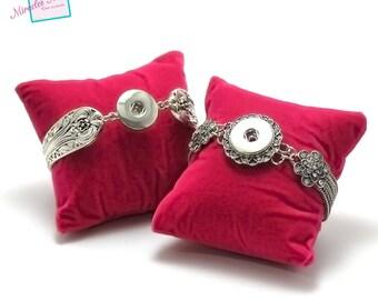 1 display or organizer for bracelet, fuchsia red cushion