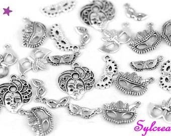 12 charms 10 mm to 40 mm mask mixed Venice Carnival mix silver metal