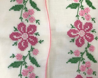 Embroidered Pink Floral Pillowcase Set  // 1960's