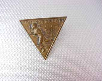 Art deco brooch Vintage Bronze Runner Medal Triangle Foreign Whitehead Hoag Birthday Sports Athletic
