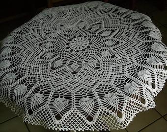 Handmade round white plain pineapple table centerpiece