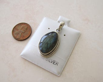 Labradorite Sterling Silver Pendant, blue flash