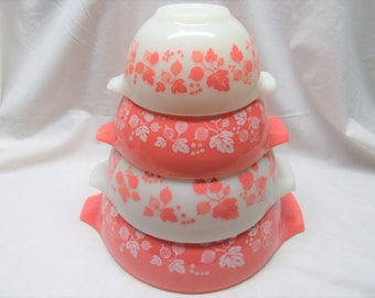 Pyrex PINK GOOSEBERRY Nesting Bowls Complete set Fantastic condition