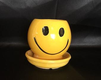 McCoy 0386 Smiley Face Planter ca. 1980