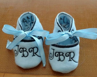 Girls Shoes, Baby Gift, Baby Shower Gift, Baby Girl Shoes, Baby booties, Christening shoes, Embroidered with name or initials