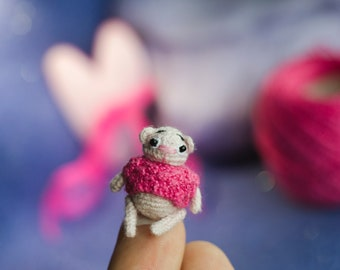 Dollhouse Miniature amazing little knitted amigurumi pink bear 3cm
