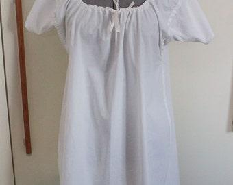 19th century Regency chemise in cotton -  historical costume Napoleonic Jane Austen reenactment living history undergarments shift