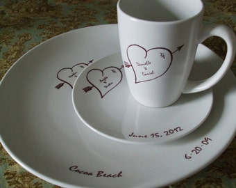 Holiday Gift, Gift GIft, Hearts Bridal China, Dishe Wedding Couple personalized Place setting,anniversary gift, heart (3 Pieces)