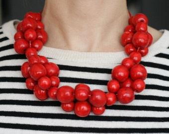Red Bead Necklace Bright red Wooden Beads statement necklace red short chunky necklace red bridal party gift large round bead necklace