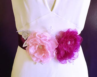 Wedding sash / Bridal belt / Organza flowers