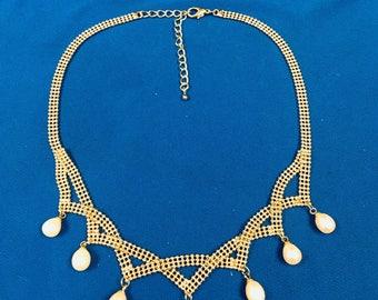 "16"" Dangle Tear Drop Pearl Necklace (0010)"