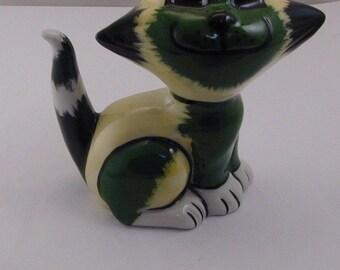 Lorna Bailey smiley green cat