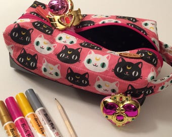Sailor Moon Makeup Bag // Pencil Case // Touletty Bag // Square Bag Kit
