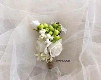 Boutonniere / Buttonhole / Corsage / Rusting Wedding / Garden Wedding / Groomsman / Wedding Boutonniere / Groomsmen Accessories