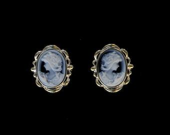 18 kt White Gold Cameo Earrings