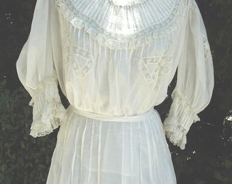 Original Victorian 2Pc. Cotton Batiste Gown Elaborate Workmanship Tucking / Lace Small Size Item # 113 Victorians