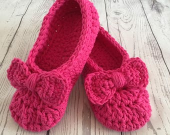 The Jaicey Girls Slippers Crochet Cotton Little Oma Slippers for Kids Slippers with a Bow Childrens Slippers Hot Pink