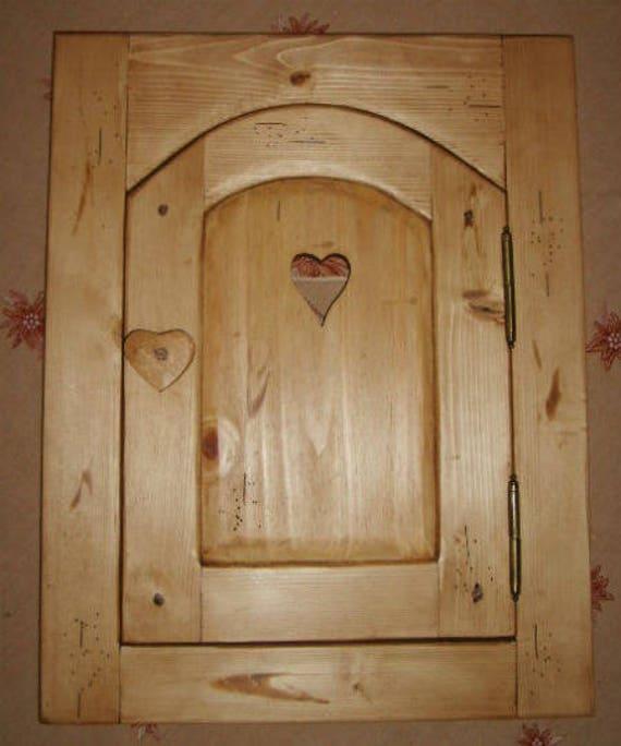 Articles similaires porte placard artisanale 100 bois epicea deco chalet montagne sur etsy - Porte de placard a la francaise ...