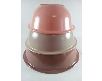 Pyrex Autumn Nesting Mixing Bowl Set of Three Stacking Tan Brown Peach