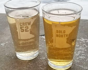 Bold North   Crew 52 Etched Minnesota Pint Glass with Skol Bottom Detail