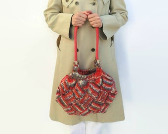 Shoulder Bag Knitted in Variegated Coral Red Wool
