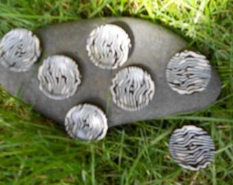 Zebra stripe button