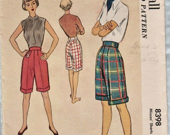 McCall 8398 / Vintage 50s Sewing Pattern / Ciffed Bermuda Shorts / Waist 24