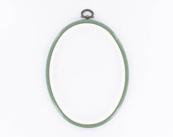 Embroidery hoop oval 17 X 13 cm