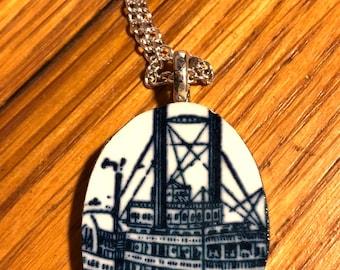 Steamboat pendant
