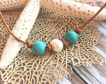 Womens Leather Choker Necklace, Turquoise and Pearl Leather Necklace, Three Bead Necklace, Beach Choker, Pearl Choker, Turquoise Necklace