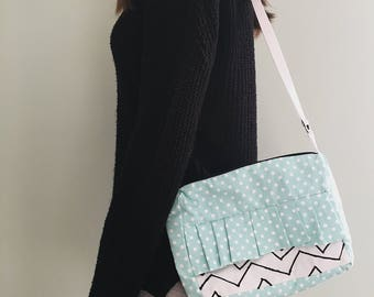 Geometric Ruffle Purse