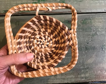 Small SWEETGRASS BASKET- Handmade Coiled Basket with Handles- Charleston SC Basket making Tradition- Gullah Sweet Grass Basket
