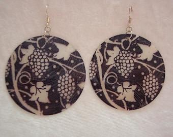 Black White Capiz Shell Earrings, Black Earrings, Capiz Shell Earrings, Large Disc Earrings, Tatoo Design Earrings, Clip ons Available