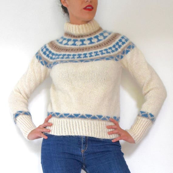 Vintage 60s 70s Fuzzy Wool Hand Knitted Cropped Ski Sweater (size xs, small)