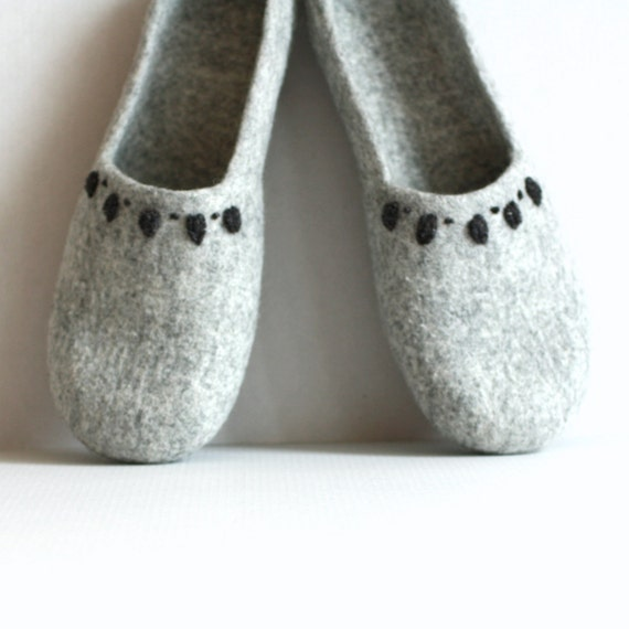 gift handmade for gift homeshoes womens felted slipper valenki slippers Grey eco women Mothers Mom friendly slippers houseshoes day ROw0fWqx5