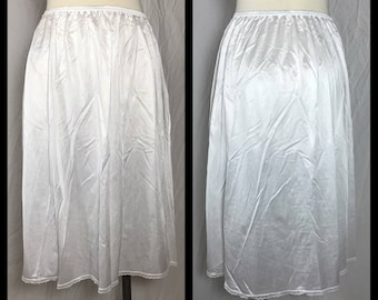 White Nylon Half Slip in Knee Length by Vanity Fair - Size Large