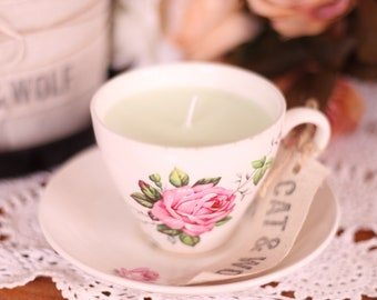 Vintage Tea Cup Candle (Soy wax/Lime & Coconut scent)