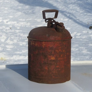 Super Duper Rusty Barn Treasure Old Working Metal Safety Can